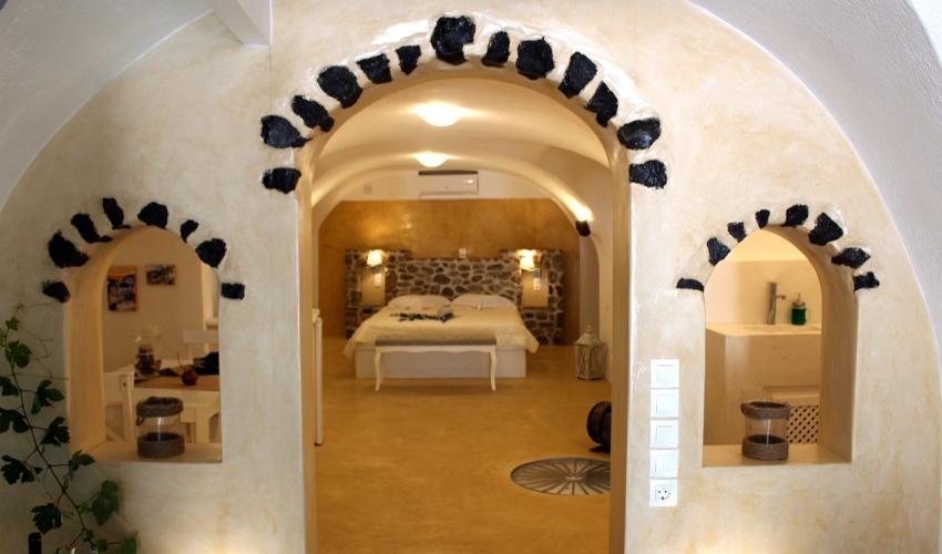 Linos Suites