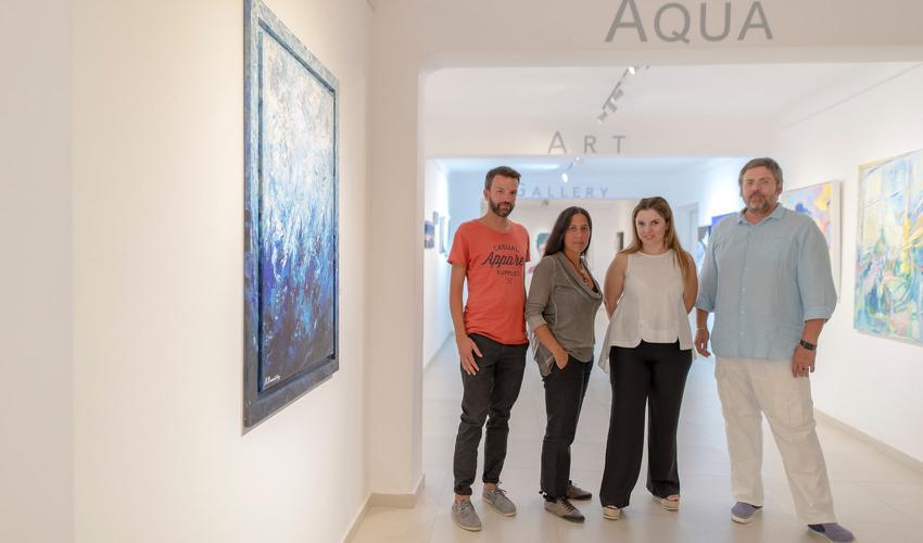 Aqua Vista Hotels.232
